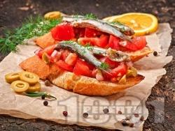 Неаполитански кростини с филе аншоа, маслини и домати - снимка на рецептата